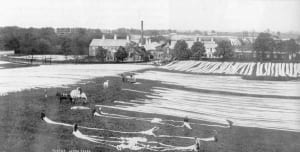 Drying linen at Glenmore Bleech Green. Image in the public domain.
