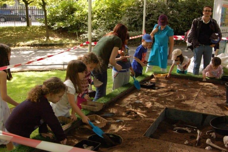 Summer Archaeology Dig 2016 at Hillsborough Castle Digging