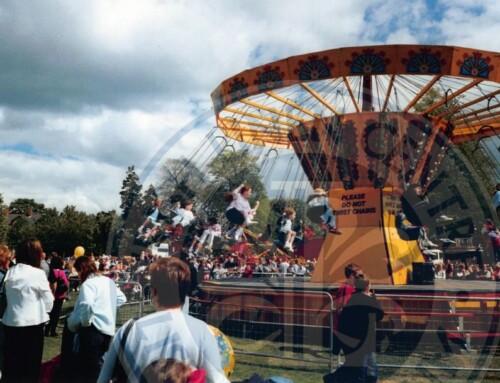 Photo: Mayor's Parade, Wallace Park, c.1990s